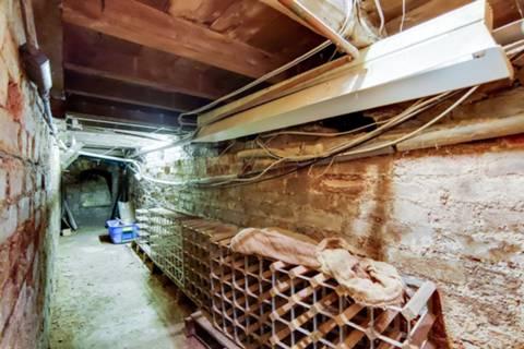 <b>Cellar</b><span class='dims'></span>