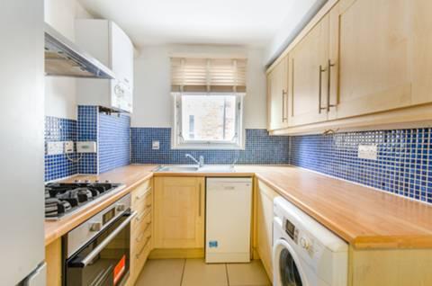 <b>Kitchen 8' x 7'</b><span class='dims'></span>