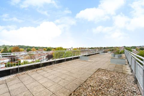 <b>Second Roof Terrace</b><span class='dims'></span>