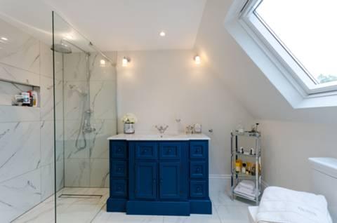 En Suite Shower Room in SM2