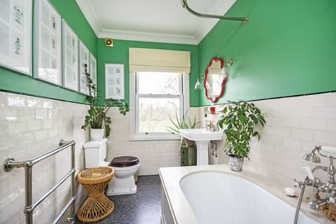 Bathroom in E5