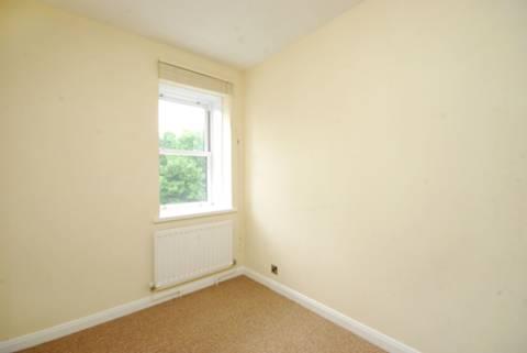 <b>Second Bedroom</b><span class='dims'> 10'5 x 6'7 (3.17 x 2.01m)</span>