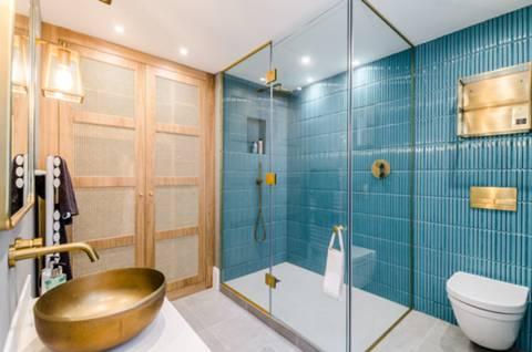 En Suite Shower Room in WC2H