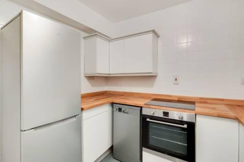 <b>Kitchen</b><span class='dims'></span>