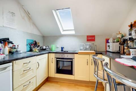 <b>Second Kitchen</b><span class='dims'></span>