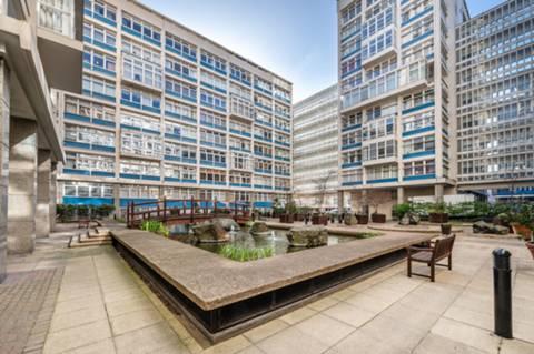 <b>Communal Plaza</b><span class='dims'></span>