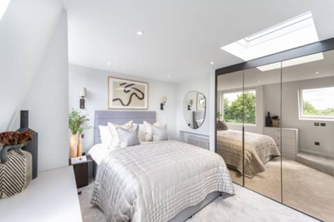 Main Bedroom in W10