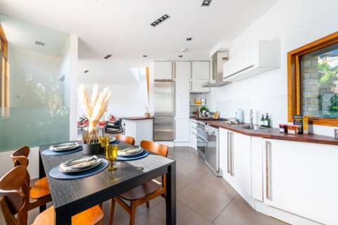 Kitchen/Dining Room in SW8