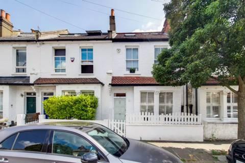 Claxton Grove, London W6, UK - Source: Foxtons