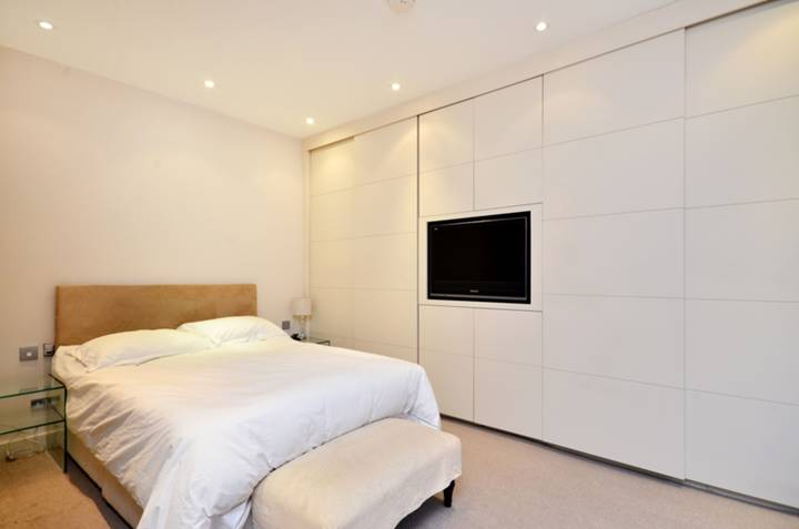 Master Bedroom in W1G