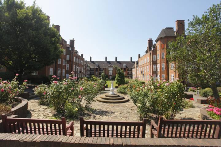 Hampstead Way, Hampstead Garden Suburb