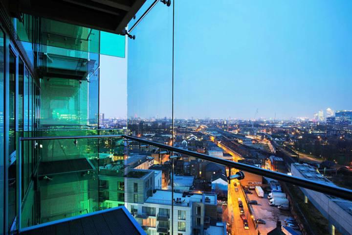 Balcony in E1