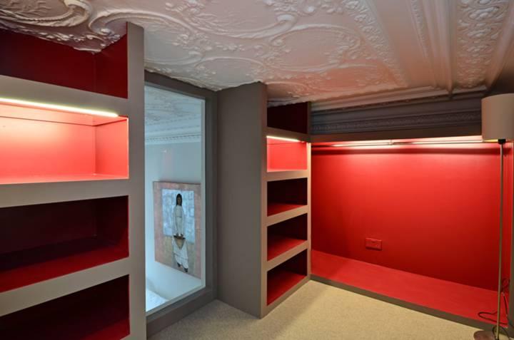 <b>Dressing Room</b><span class='dims'> 11'7 x 6'2 (3.53 x 1.88m)</span>