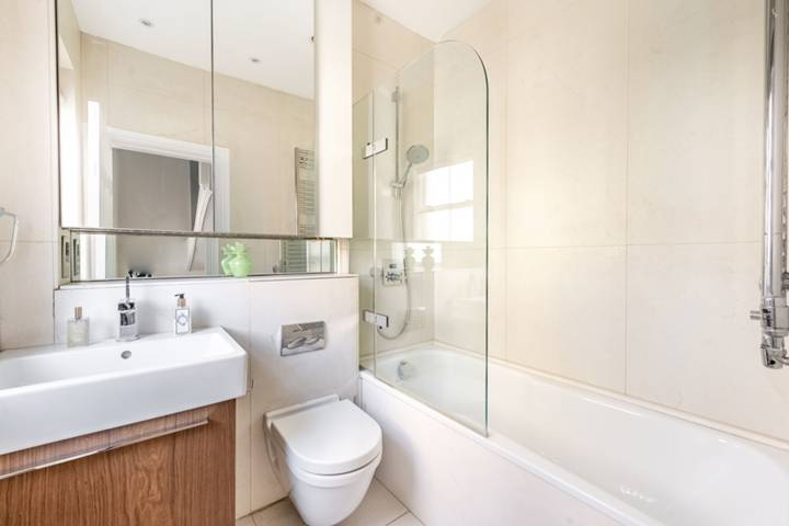 Master Bedroom in SW1X