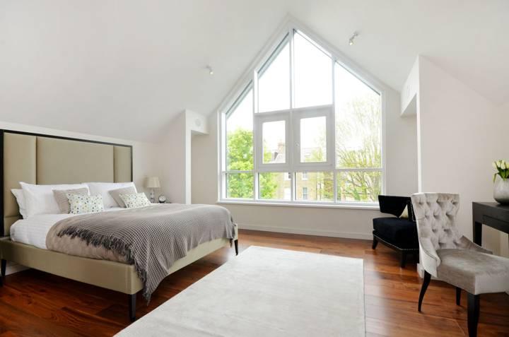 Master Bedroom in TW10
