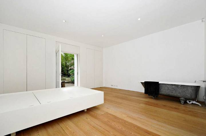Master Bedroom in SW12