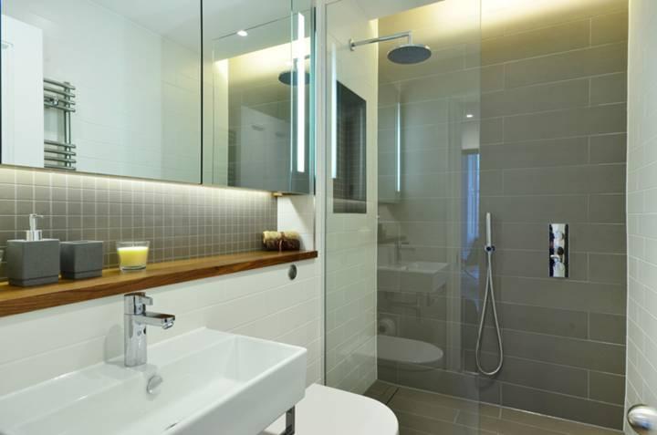 Shower Room in SW1V