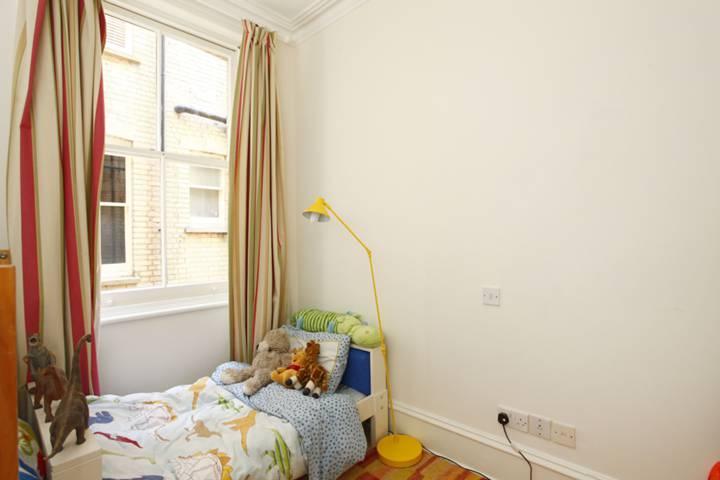 <b>Third Bedroom</b><span class='dims'> 10'1 x 8'2 (3.07 x 2.49m)</span>