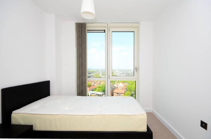 <b>Third Bedroom</b><span class='dims'> 8'11 x 8'7 (2.72 x 2.62m)</span>