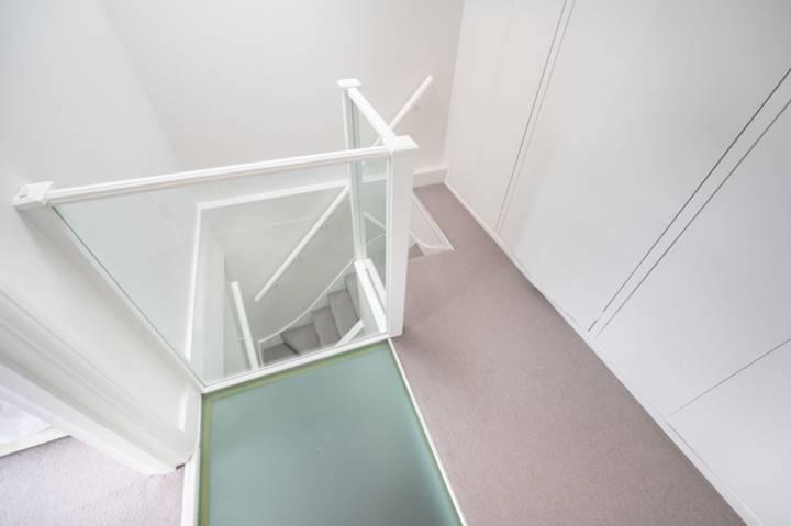 <b>Kitchen</b><span class='dims'> 13' x 12'3 (3.96 x 3.73m)</span>