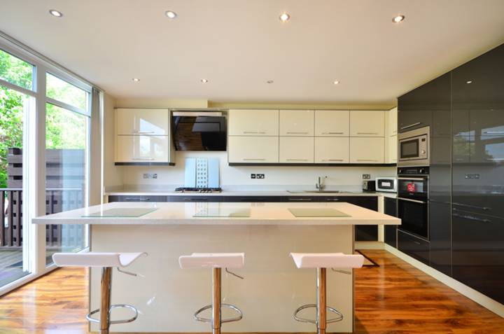 Kitchen in W5