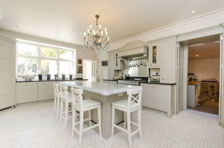 Kitchen/Breakfast Room in NW6