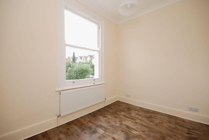 <b>Fourth Bedroom</b><span class='dims'> 9 x 7&#39;6 (2.74 x 2.29m)</span>