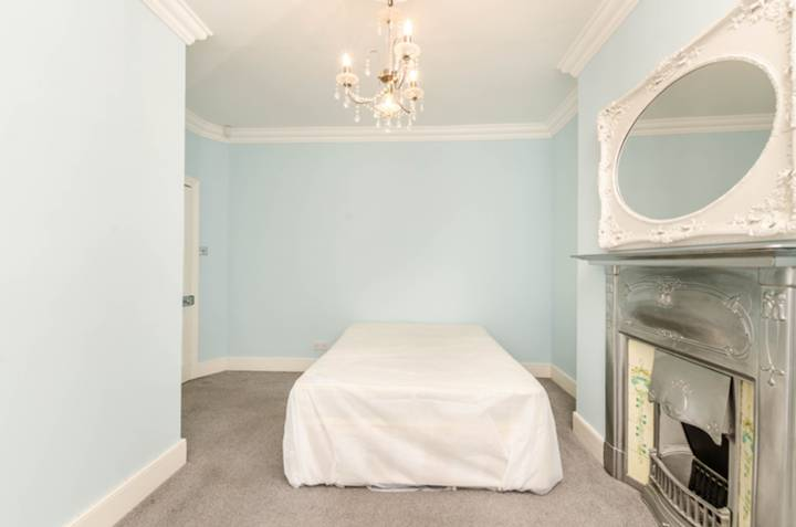 Master Bedroom in SW17