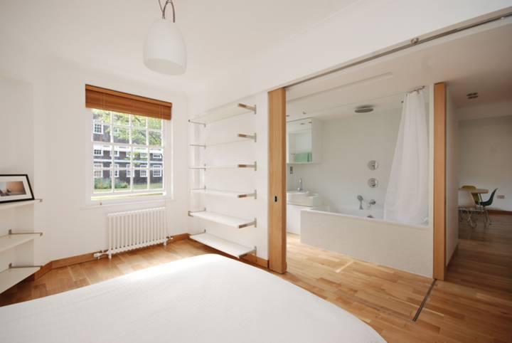 <b>Bedroom</b><span class='dims'> 16' x 9' (4.88 x 2.74m)</span>