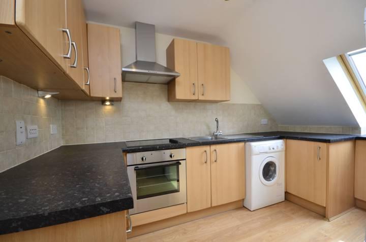 <b>Kitchen</b><span class='dims'> 11&#39;3 x 8 (3.43 x 2.44m)</span>