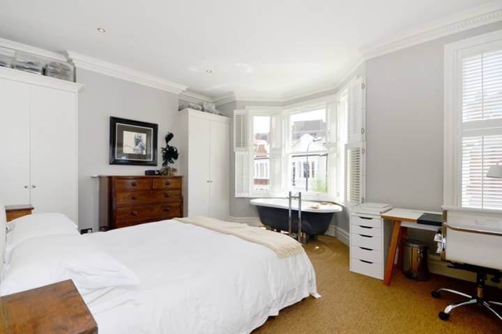 Master Bedroom in W12