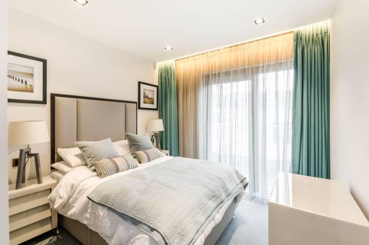 <b>Third Bedroom</b><span class='dims'> 16&#39; x 9&#39;7 (4.88 x 2.92m)</span>
