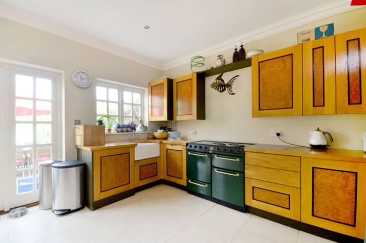 Kitchen in TW10