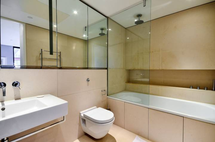 En Suite Bathroom in SE1