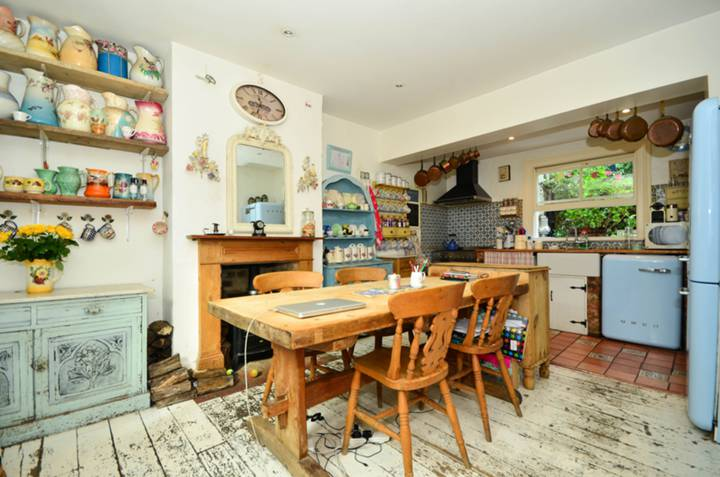 Kitchen/Dining Room in NW10