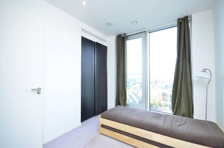 <b>Second Bedroom</b><span class='dims'> 15'1 x 8'10 (4.60 x 2.69m)</span>
