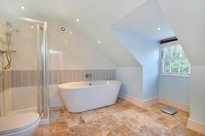 <b>Second Bathroom</b><span class='dims'> 13'4 x 9'7 (4.06 x 2.92m)</span>