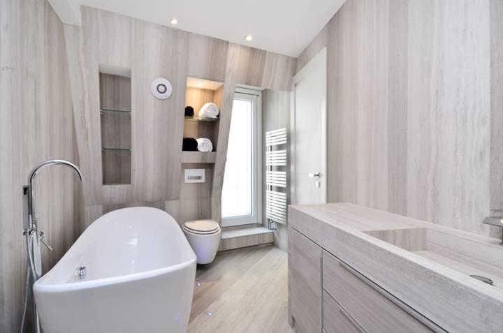 Bathroom in WC2N