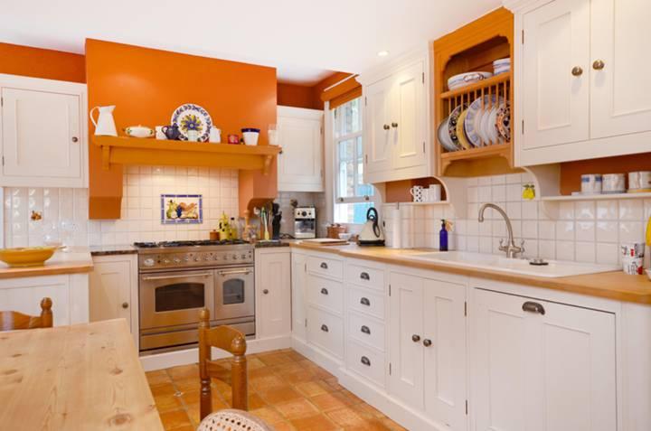 Kitchen in TW7