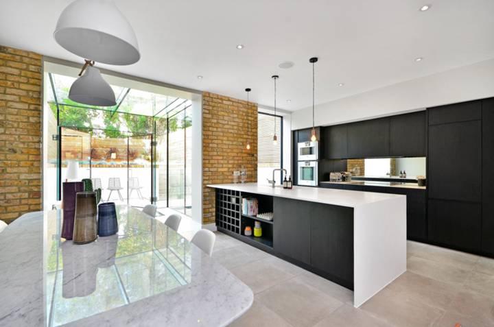 Kitchen in SW17