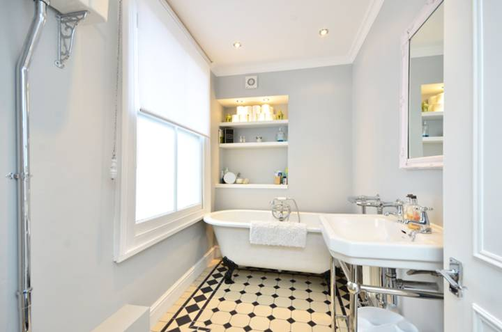 Bathroom in SW11