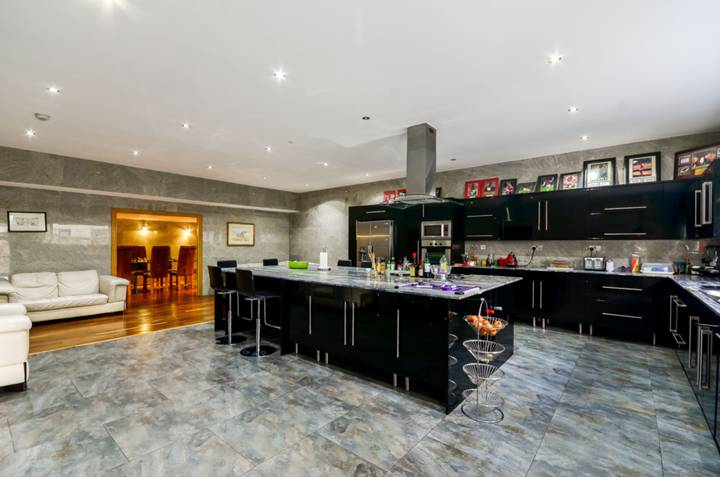 Kitchen/Family Room in NW5