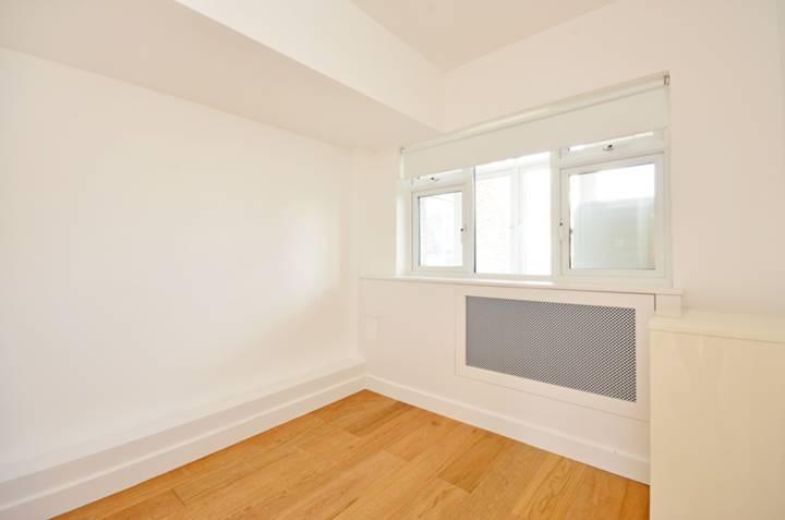 <b>Third Bedroom</b><span class='dims'> 8'8 x 8'8 (2.64 x 2.64m)</span>