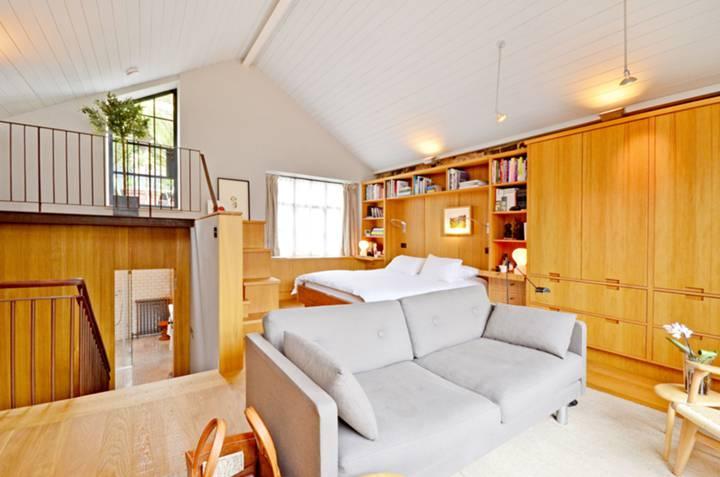 Master Bedroom in W1D