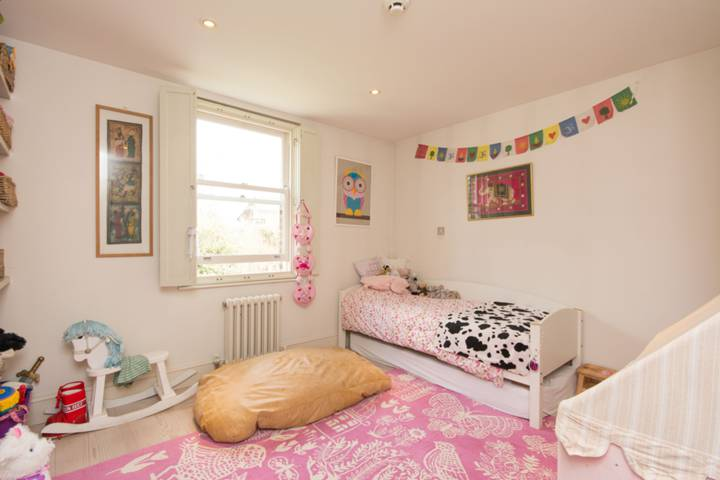Fourth Bedroom in NW2