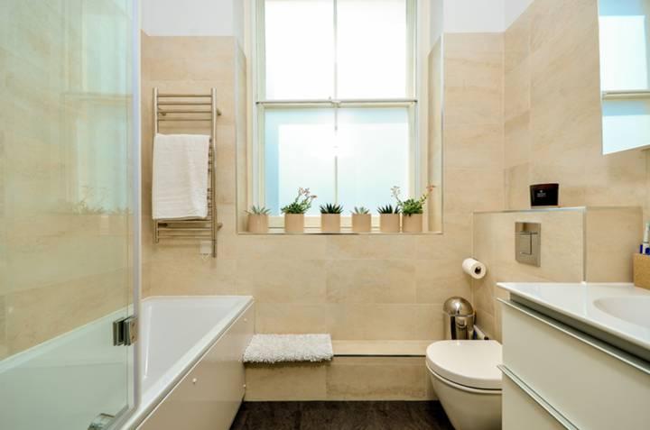 En Suite Bathroom in EC1V