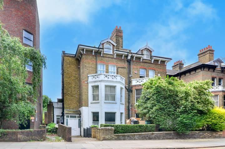 Fitzjohns Avenue, Hampstead