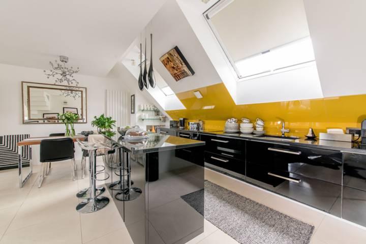 Kitchen in TW9