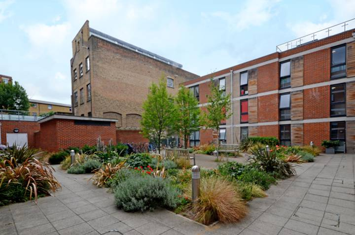 Carillon Court, Shoreditch
