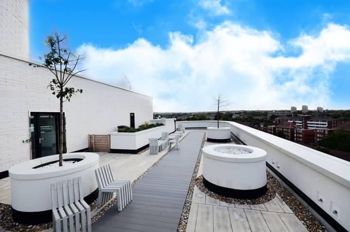 Communal Roof Terrace in SW4
